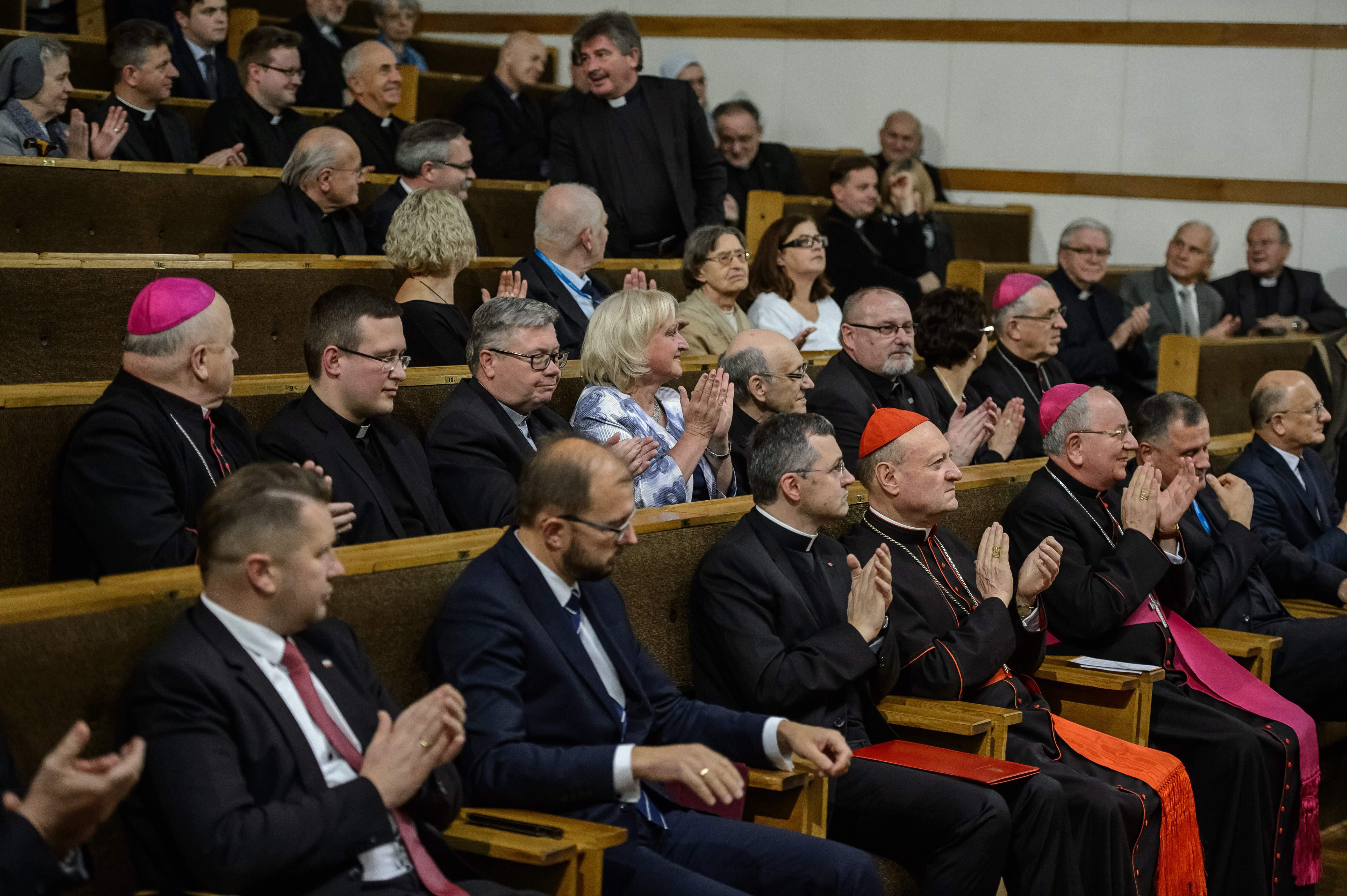 W Lublinie trwa V Kongres Kultury Chrześcijańskiej. Jest spotkaniem intelektualistów i ludzi kultury, wpisuje się w twórczy dialog Kościoła ze światem współczesnym, prowadzony w zmieniających się warunkach kulturowych. Potrwa do 16 października.