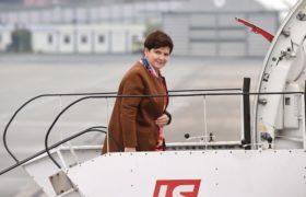 Premier Beata Szydło na warszawskim lotnisku