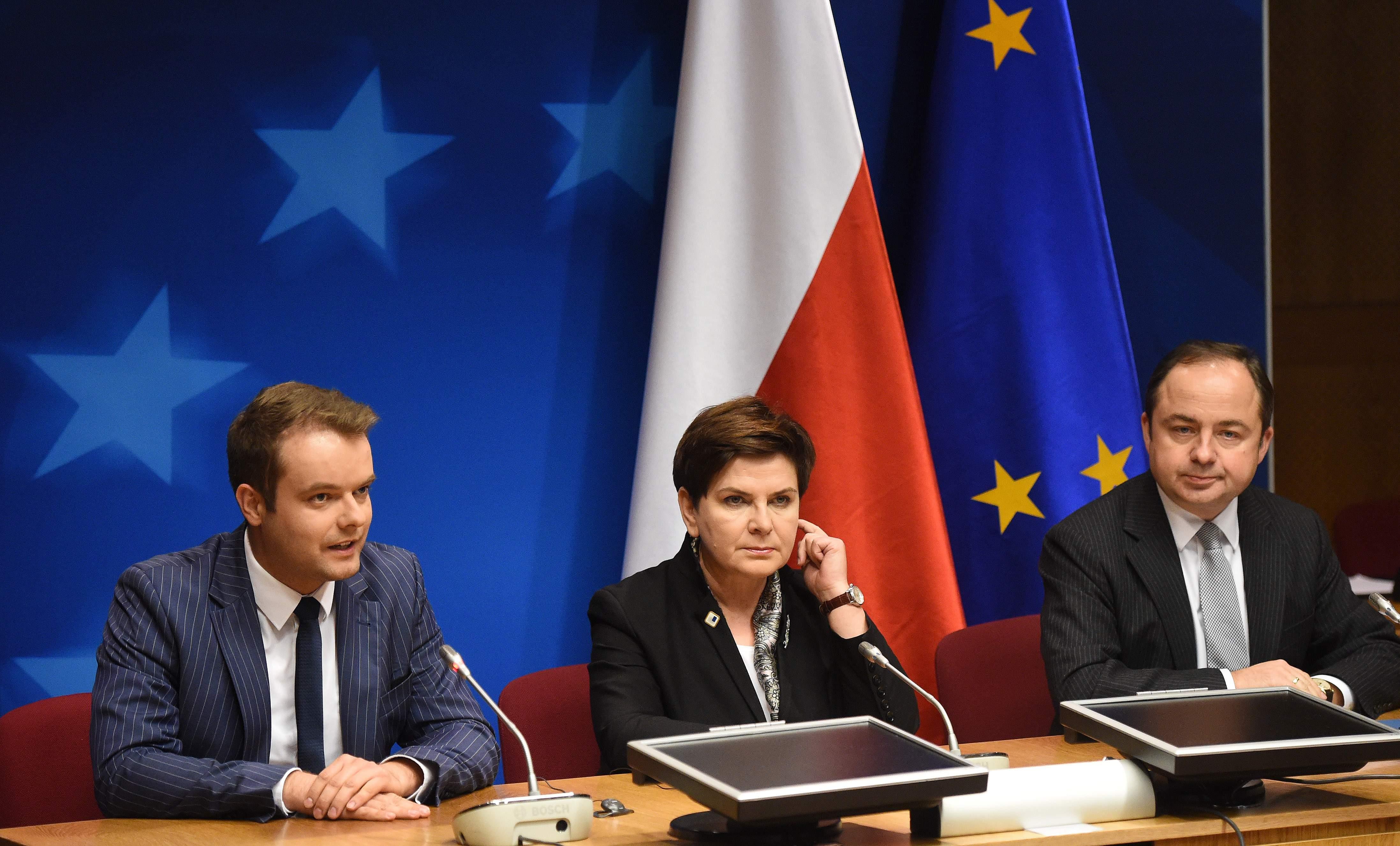 Premier Beata Szydło na marginesie szczytu UE w Brukseli spotkała się z prezydentem Francji Francoisem Hollande'em.