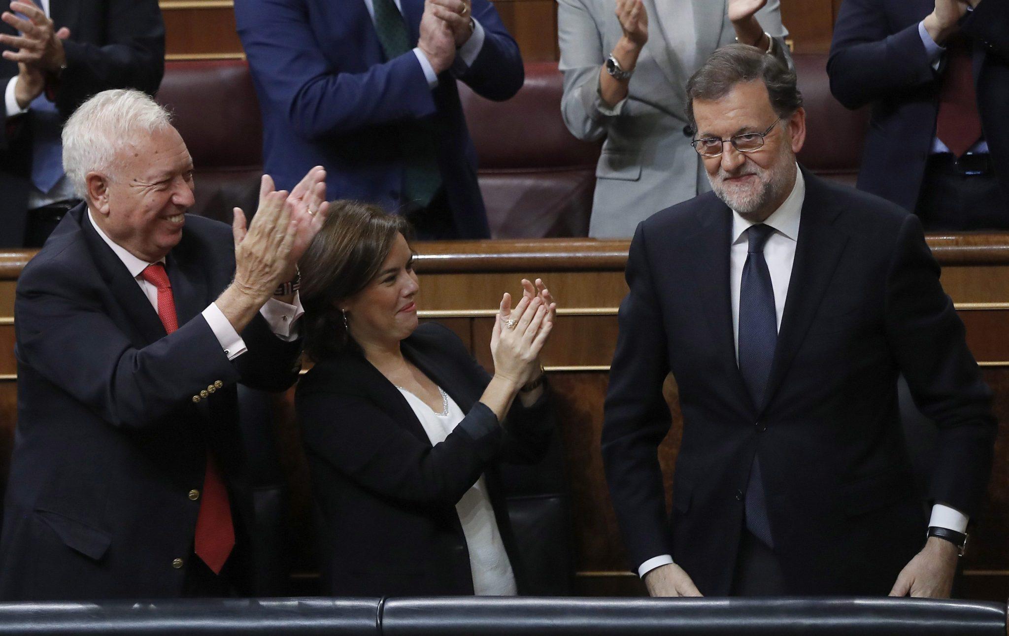 Lider centroprawicowej Partii Ludowej (PP) Mariano Rajoy został w sobotę wieczorem wybrany przez Kongres Deputowanych na szefa mniejszościowego rządu hiszpańskiego. fot. PAP/EPA.