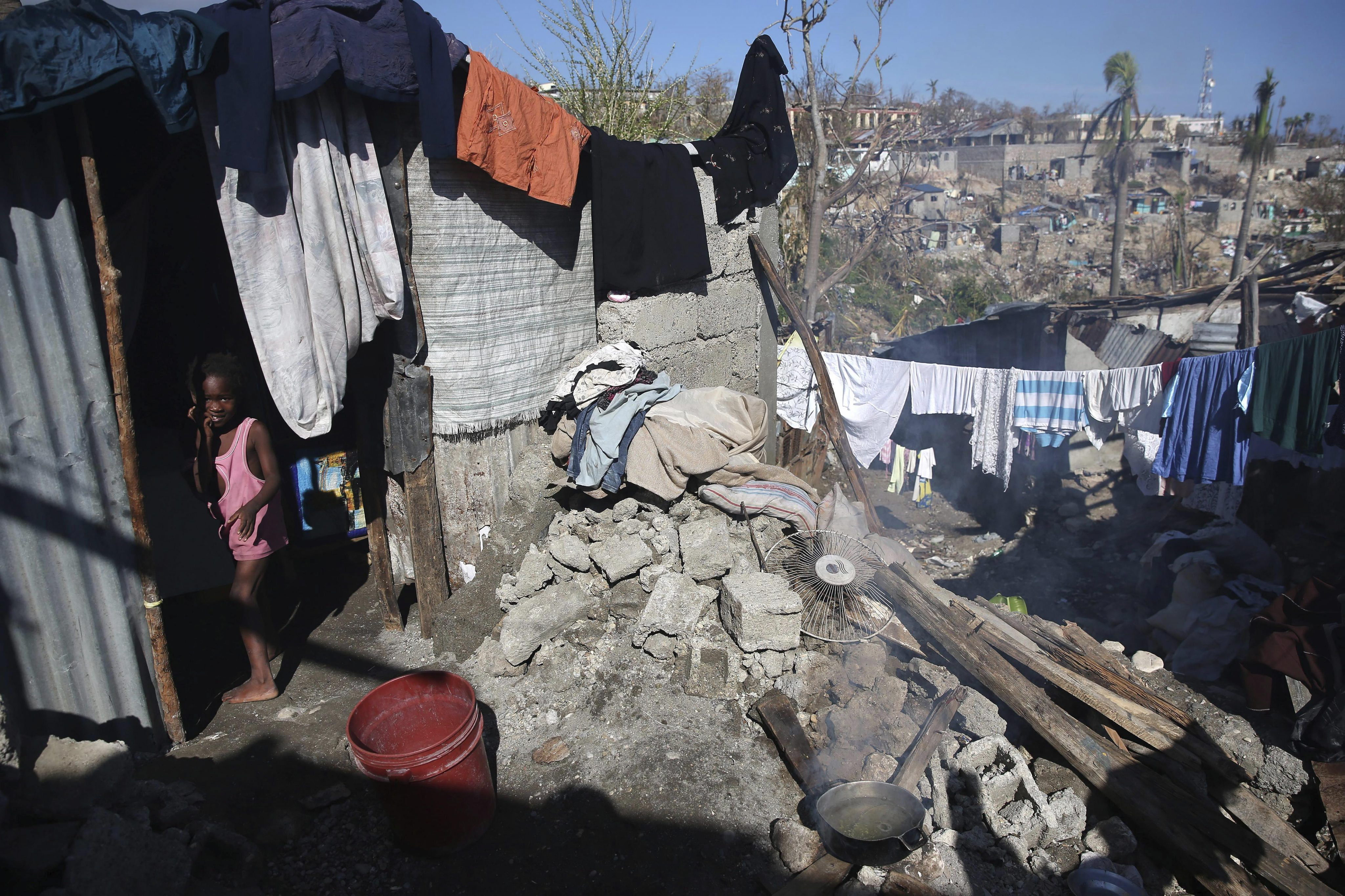Sytuacja na Haiti nie ulega poprawie. Ludność dotknięta huraganem nie ma dostępu do wody, brakuje też jedzenia. Są przypadki osób z symptomami cholery.