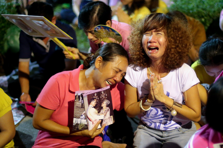 Rozpacz po śmierci króla Tajlandii, Fot: PAP/EPA.