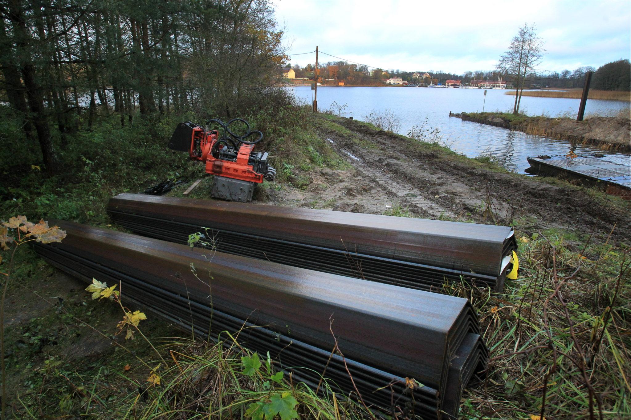 Giżycko: prace remontowe na Kanale Niegocińskim (foto. PAP/Tomasz Waszczuk)