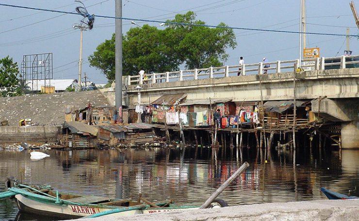 Slums Navotas, Manila, fot.  Fr Lawrence Lew, O.P.