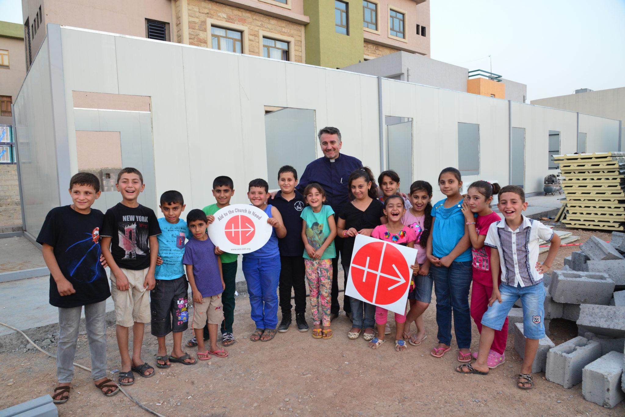 Irak: ks. Douglas Bazi jako dyrektor obozu dla chrześcijańskich uchodźców w Irbilu