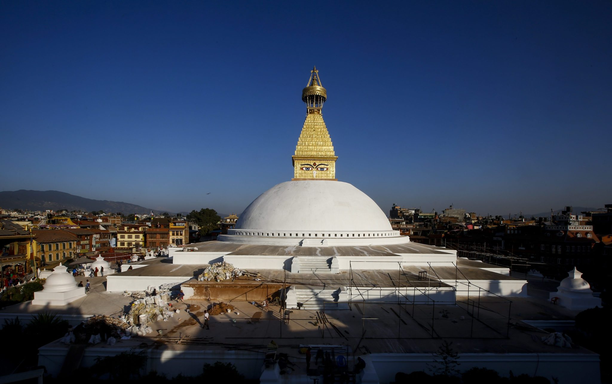 Katmandu: Boudha - jedna z najsłynniejszych świątyń w Nepalu po renowacji