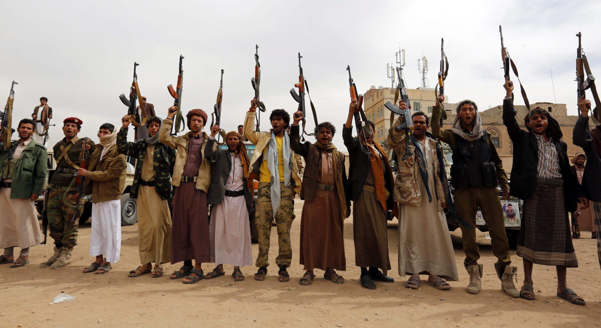 Mobilizacja do walki nowych grup anty-saudyjskich w Jemenie.  Fot. PAP/ EPA/YAHYA ARHAB