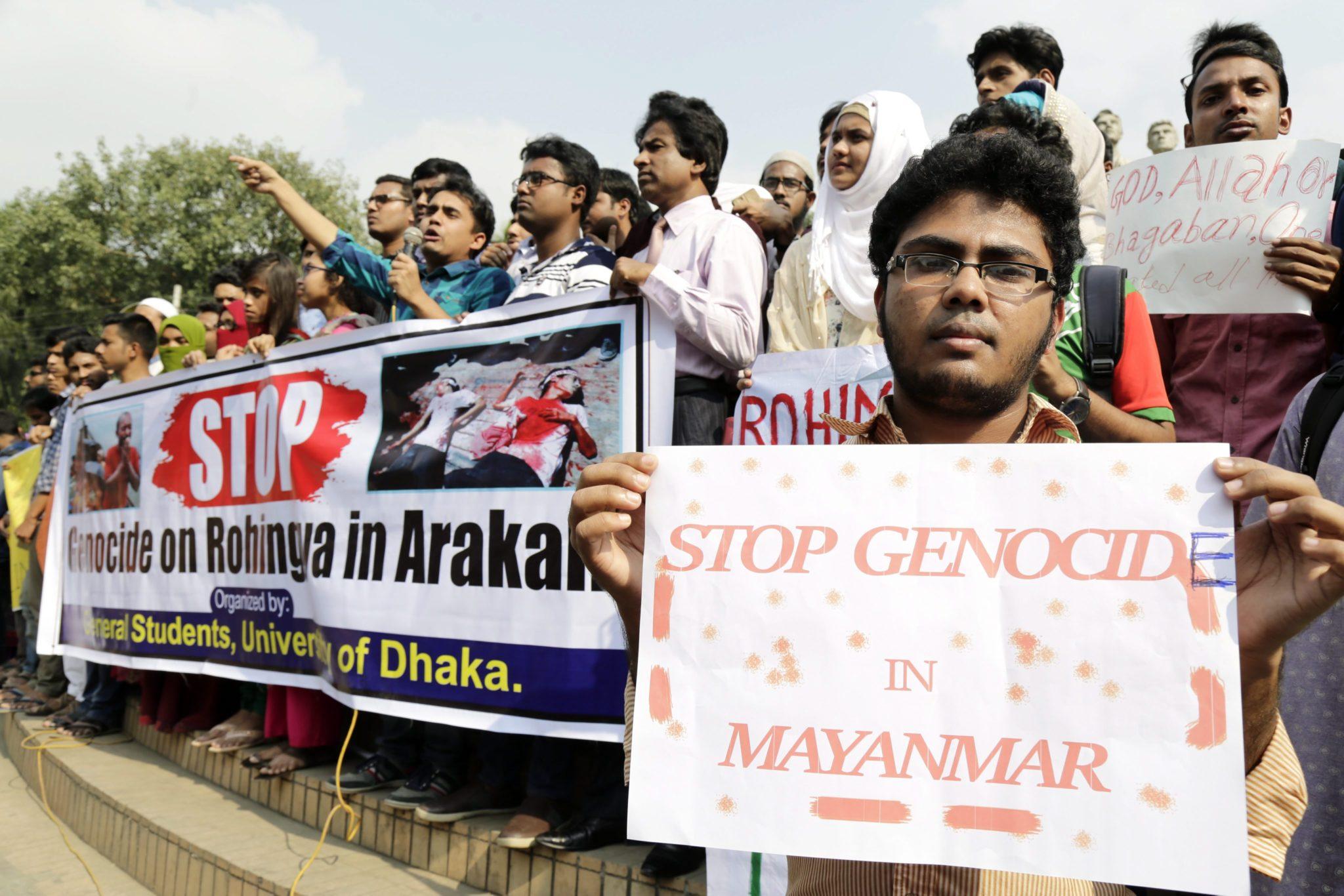 Bangladesz: protest studentów przeciw przemocy wobec mniejszości etnicznych i wyznaniowych (foto. PAP/EPA/ABIR ABDULLAH)