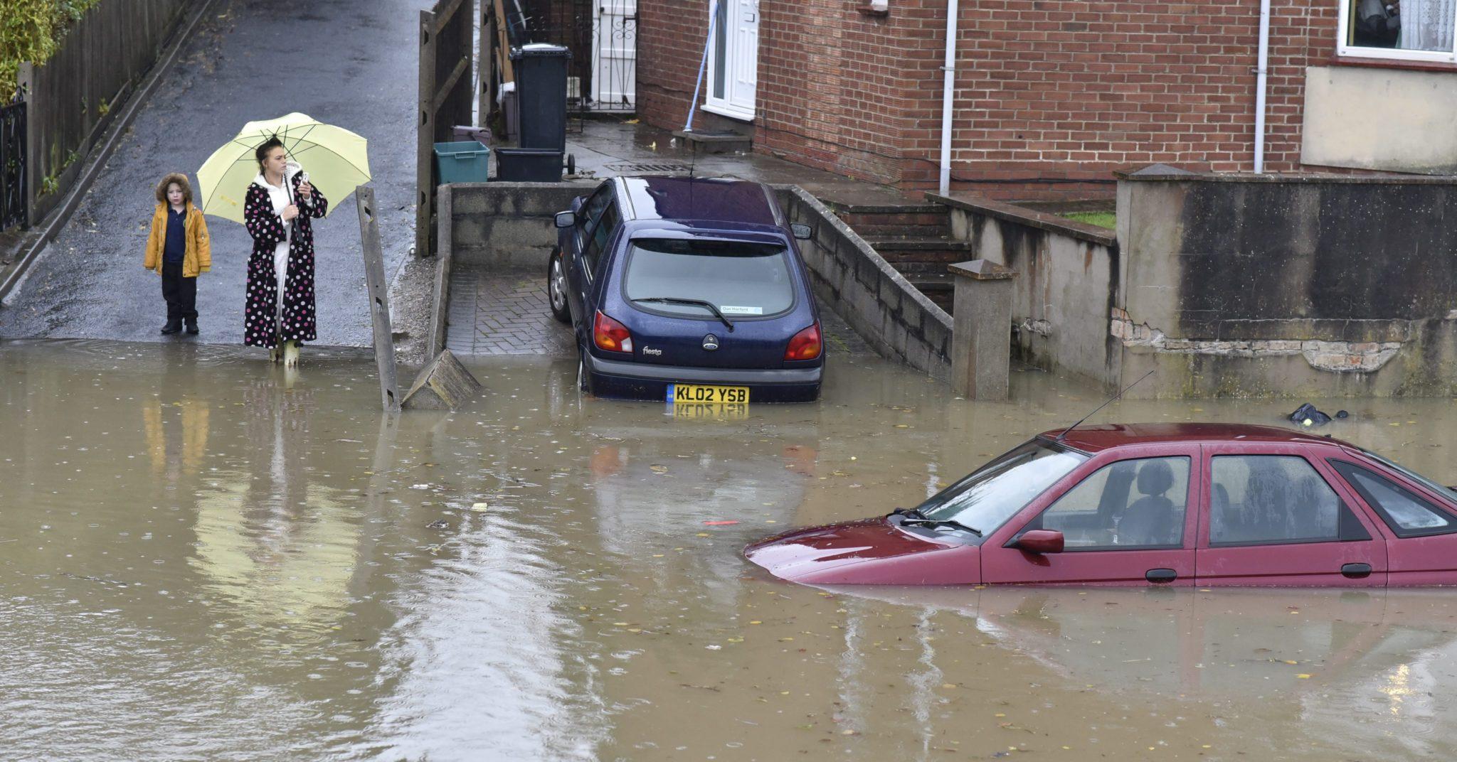 Wielka Brytania: powódź w Bristolu (foto. PAP/EPA/NEIL MUNNS)