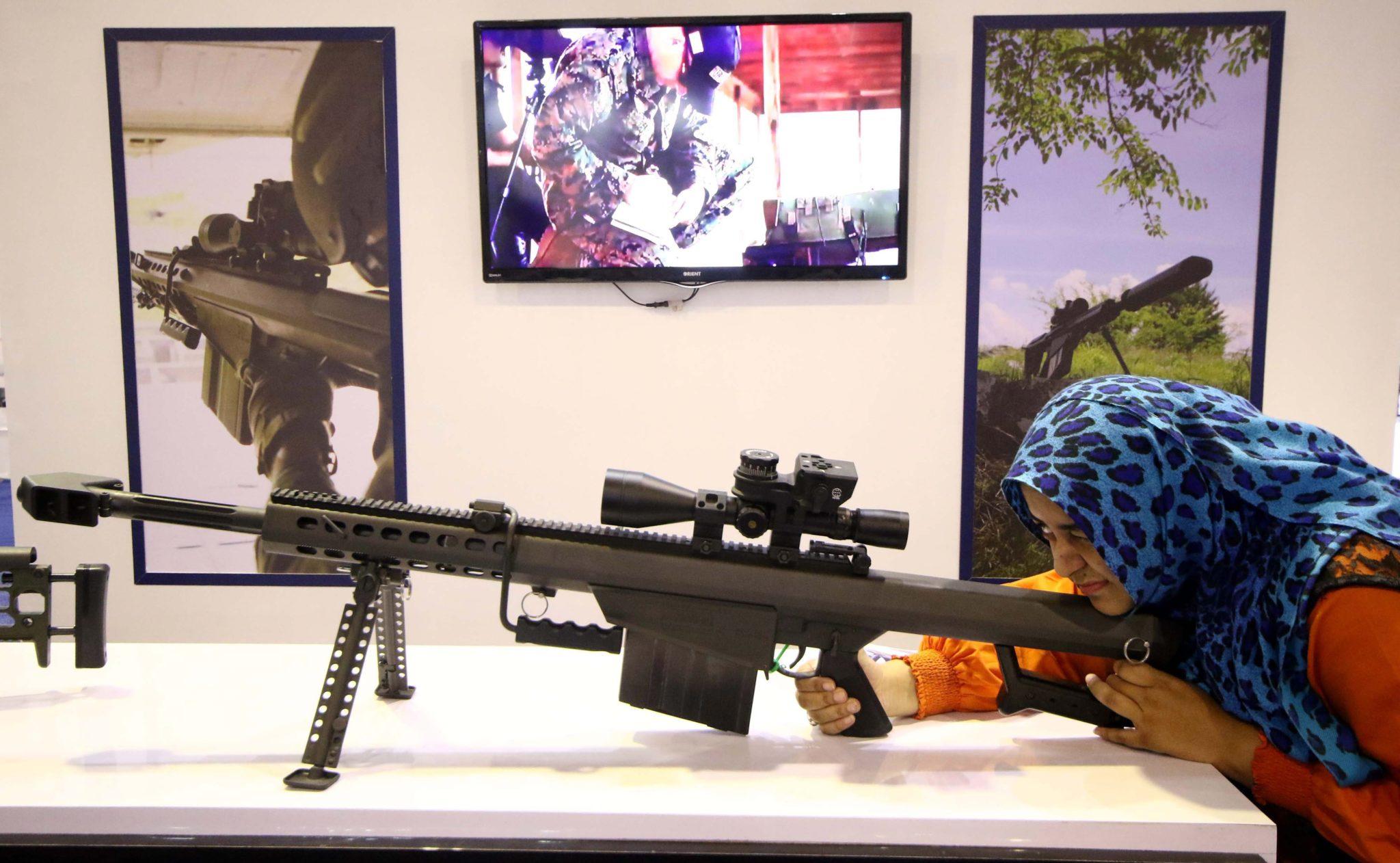 Pakistan: wystawa pakistańskiego sprzętu wojskowego w Karachi (foto. PAP/EPA/SHAHZAIB AKBER)