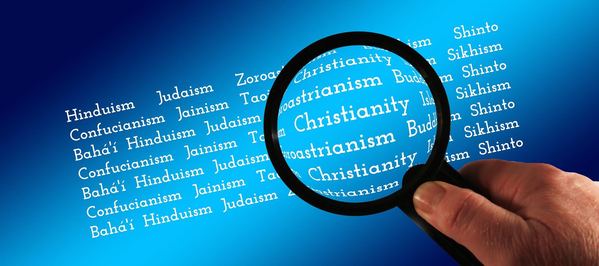W Polsce żyjemy zanurzeni w katolicyzm. Inne religie nie są nam jeszcze tak namacalne, nie jesteśmy z nimi w bezpośrednim kontakcie. Są jednak uniwersalne informacje, dzięki którym rozróżniamy naszą religię on innych. Sprawdź się w nich!
