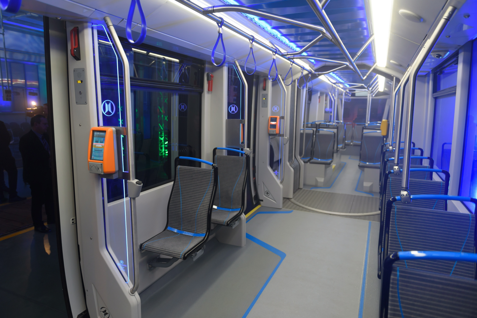 Prezentacja nowego niskopodłogowego tramwaju Modertrans Poznań Sp. z o.o. - Moderus Gamma. PAP/Jakub Kaczmarczyk
