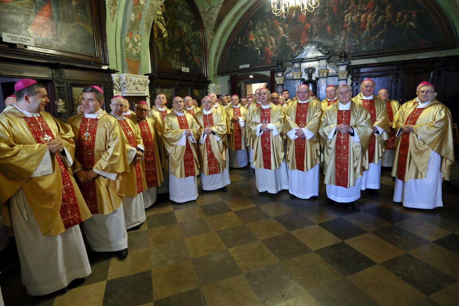 Biskupi podczas spotkania w ramach rekolekcji biskupów na Jasnej Górze. Fot. PAP/Waldemar Deska