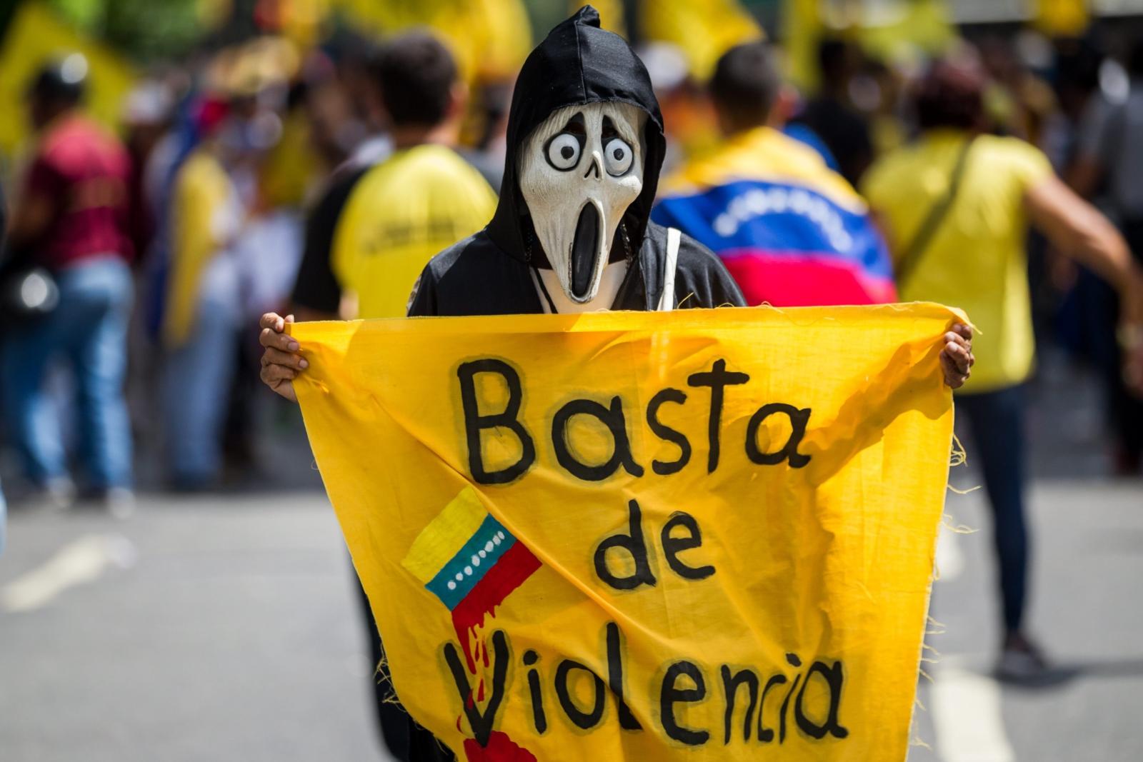 Demonstracje antyrządowe w Caracas. fot. EPA/MIGUEL GUTIERREZ