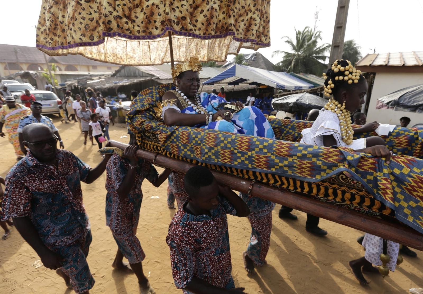 Król Awoulae TANOE Amon, król Grand Bassam, Wybrzeże Kości Słoniowej.