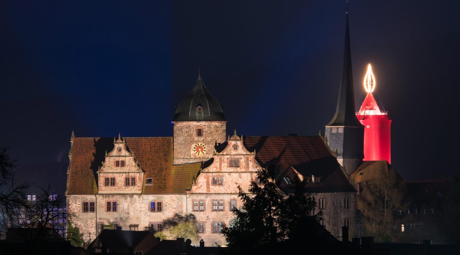 Największa na świecie świąteczna świeczka w miejscowości Schlitz, Niemcy.