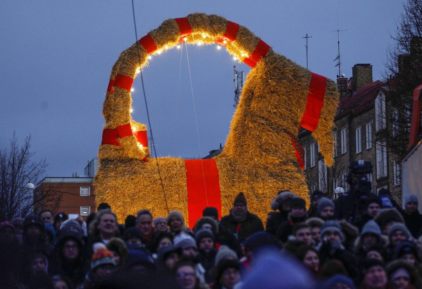 Tradycyjny świąteczny kozioł w Gavle, Szwecja.