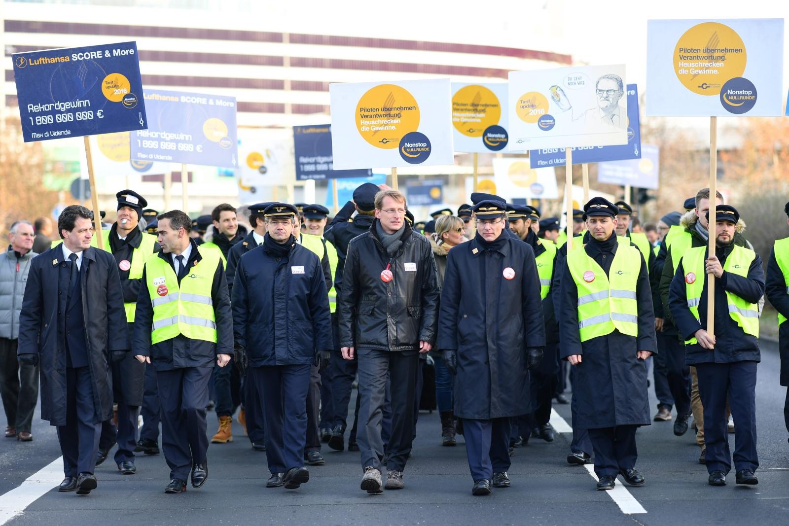 Strajk pracowników Lufthansy w Niemczech nadal trwa. Fot. PAP/EPA/UWE ANSPACH
