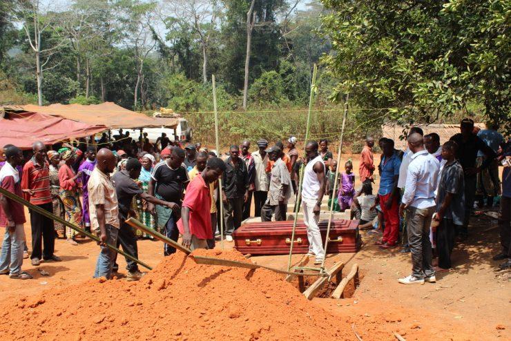 Pogrzeb w Kamerunie, fot. o. Dariusz Godawa OP