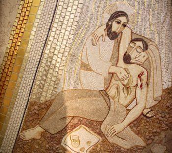 """Mozaika """"Miłosierny Samarytanin"""" z Sanktuarium św. Jana Pawła II"""