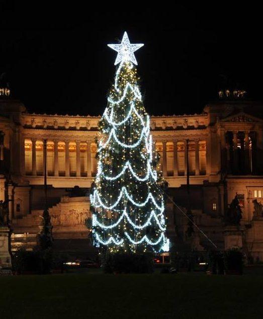 rome-new-christmas-tree