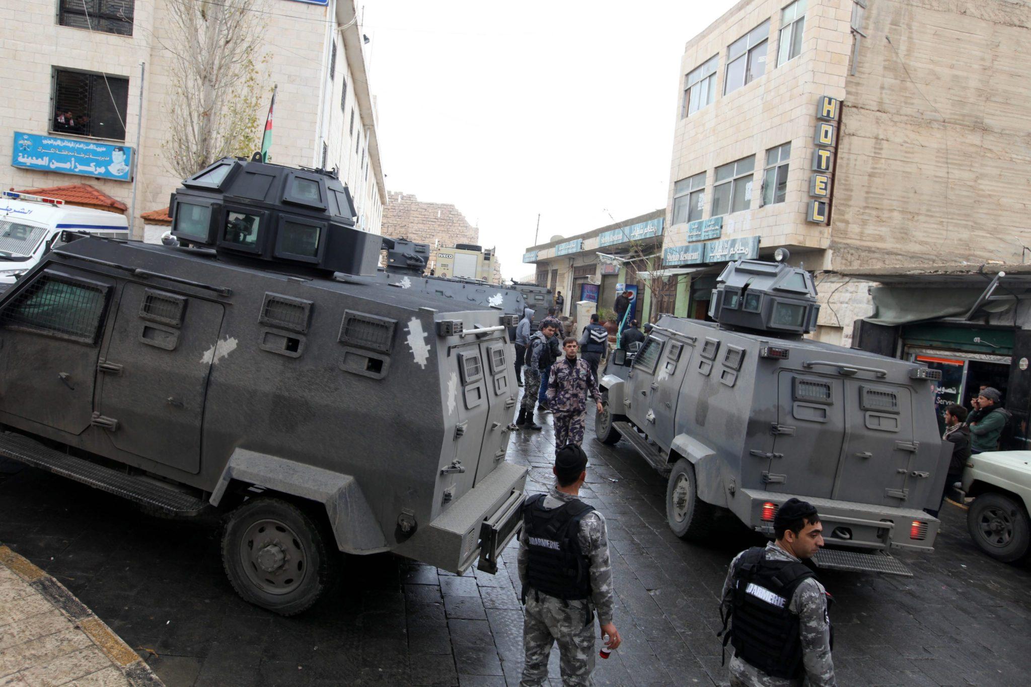 Jordania: zamach terrorystyczny w Al-Karak (foto. PAP/EPA/JAMAL NASRALLAH)