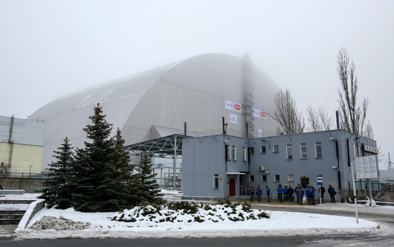 Nowy schron dla szczątków reaktora jądrowego w Czarnobylu na Ukrainie.  Fot. PAP/EPA/ROMAN PILIPEY