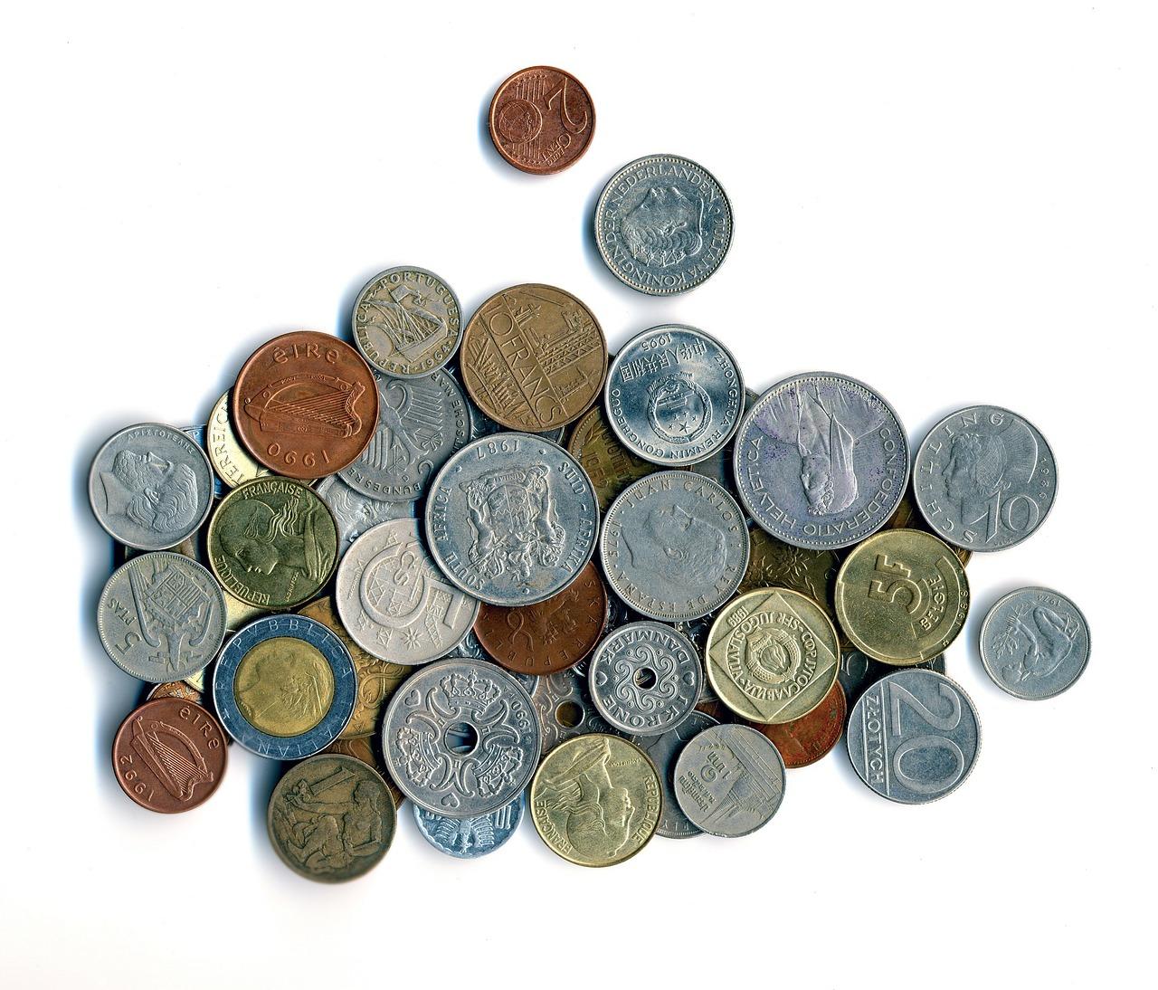 Świat bogaty jest nie tylko w języki, ale też w różnorodność walut, którymi płacimy za usługi i dobra w różnych jego zakątkach. Rozpoznasz te najbardziej znane?
