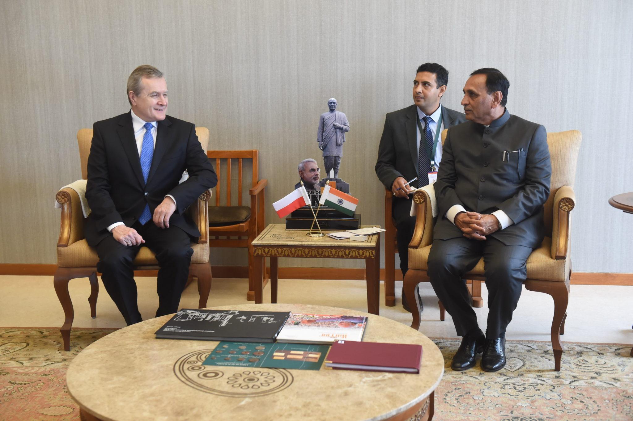 Indie: wizyta Ministra Kultury i Dziedzictwa Narodowego Piotra Glińskiego w Gandhinagar (foto. PAP/Grzegorz Michałowski)