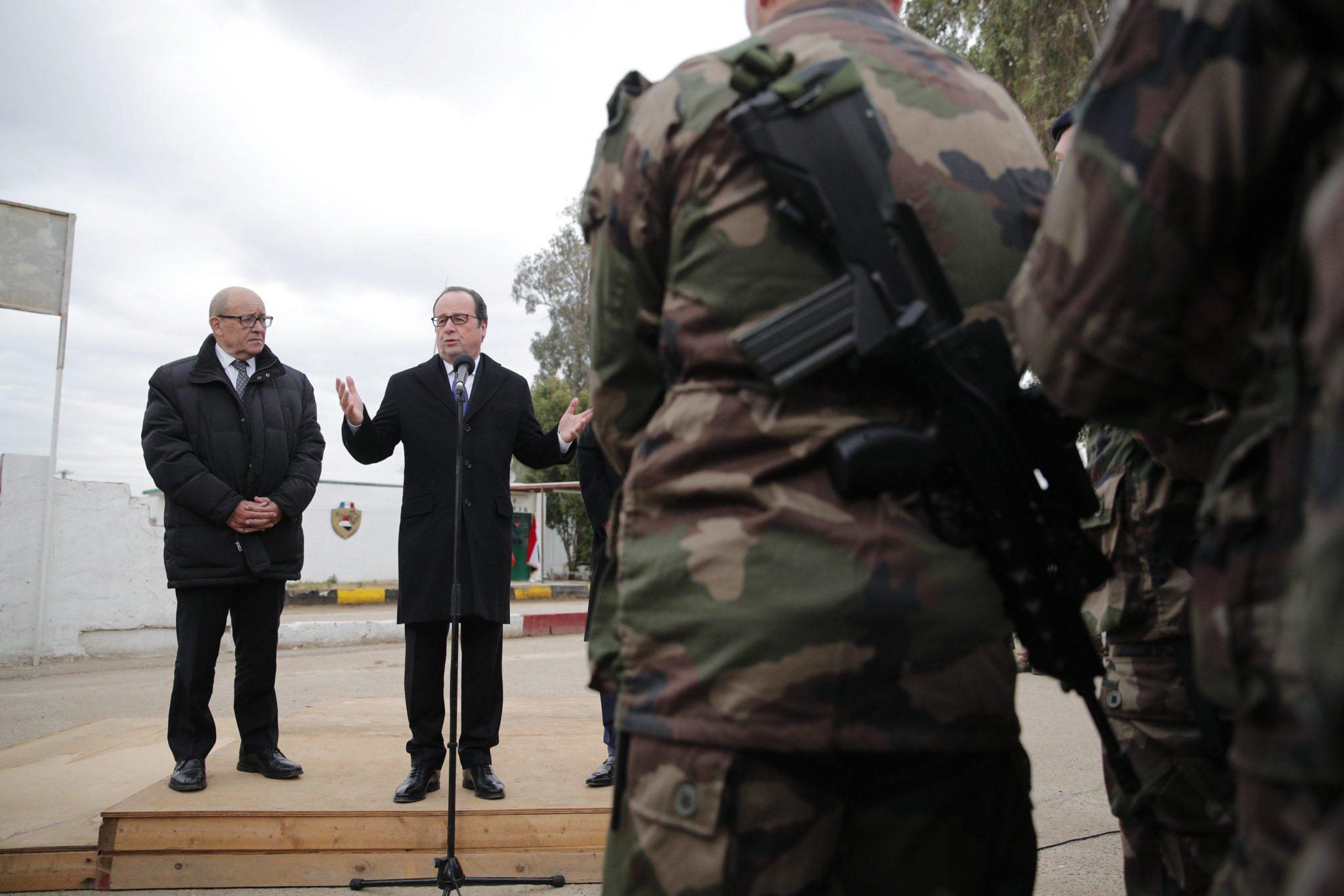 Irak: wizyta prezydenta Francji Francoisa Hollande w Iraku (foto. PAP/EPA/CHRISTOPHE)