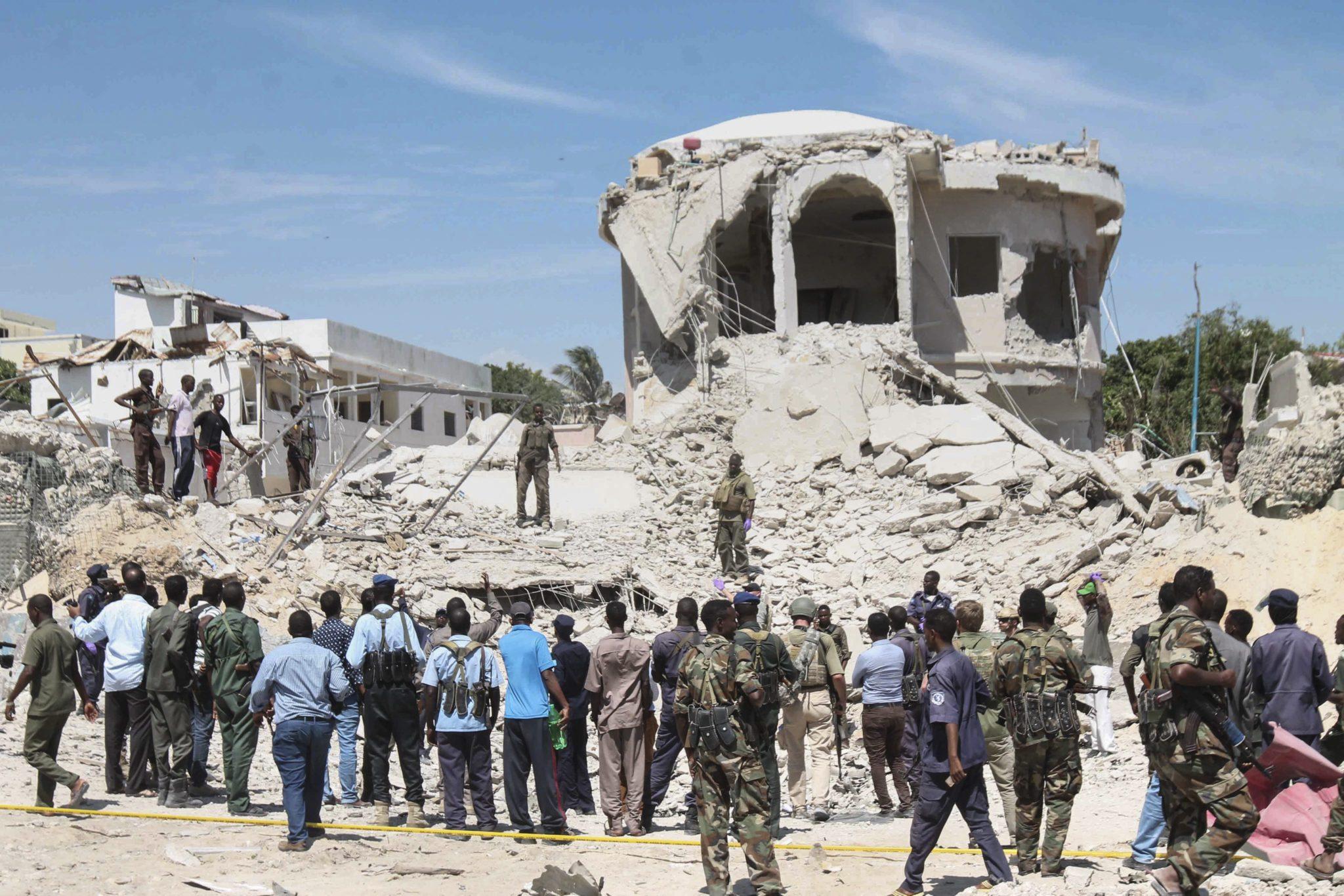Somalia: zamach bombowy w Mogadiszu, w którym zginęły trzy osoby (foto. PAP/EPA/SAID YUSUF WARSAME)