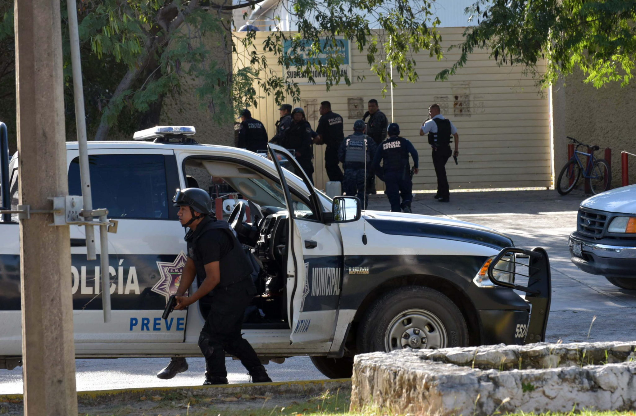 Meksyk: strzelanina w Cancun, w której zginęła jedna osoba (foto. PAP/EPA/ALONSO CUPUL)