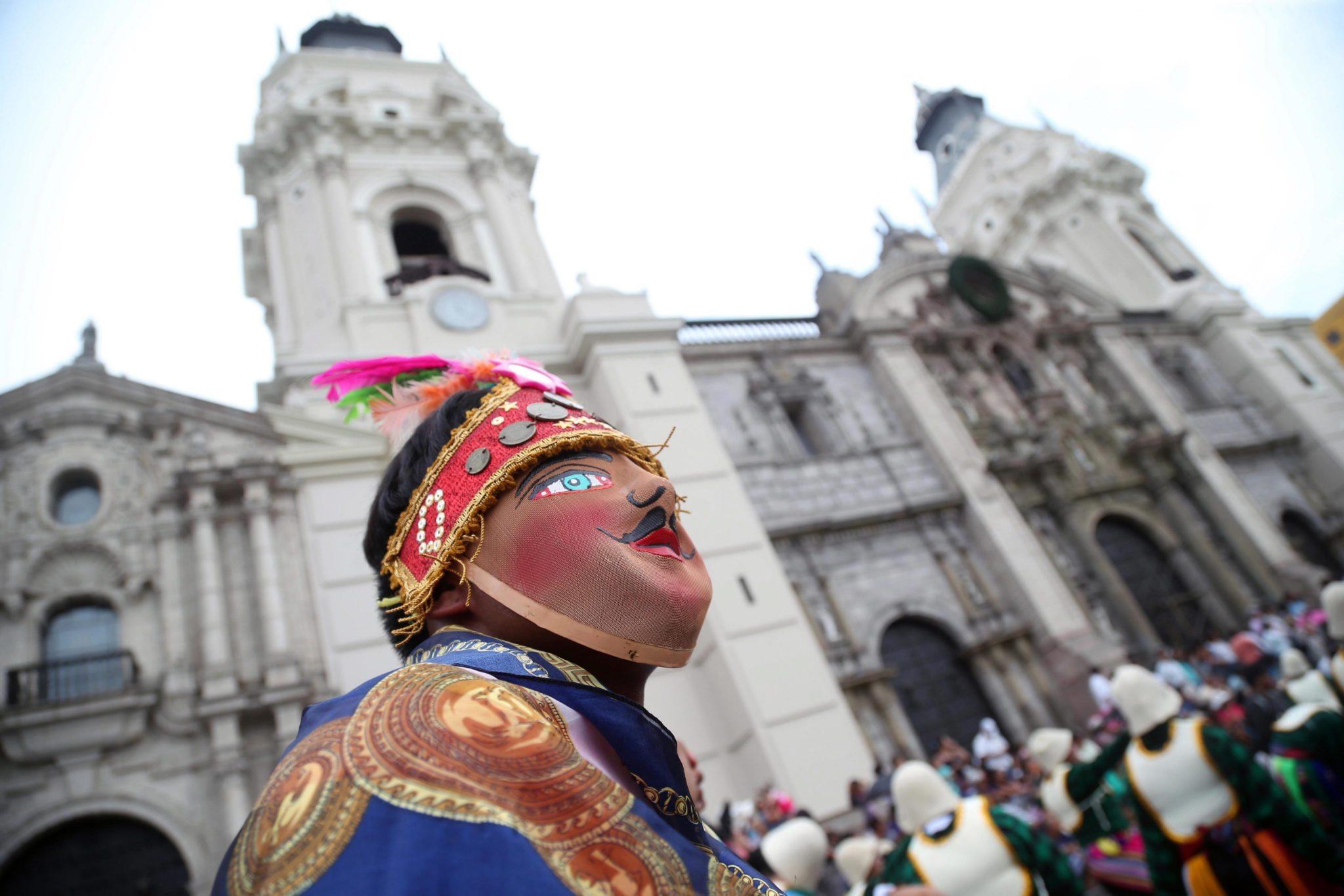 Peru: obchody 482 rocznicy powstania państwa (foto. PAP/EPA/ERNESTO ARIAS)