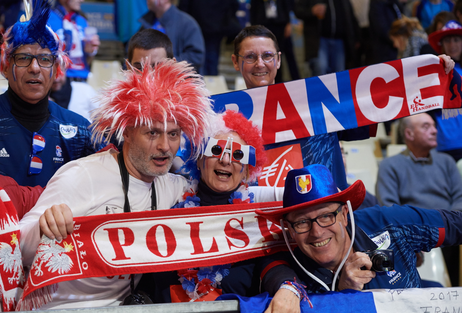 Kibice na trybunach przed meczem Polska - Francja w grupie A Mistrzostw ŒŚwiata piłkarzy ręcznych we Francji w Nantes. Fot. PAP/Adam Warżawa