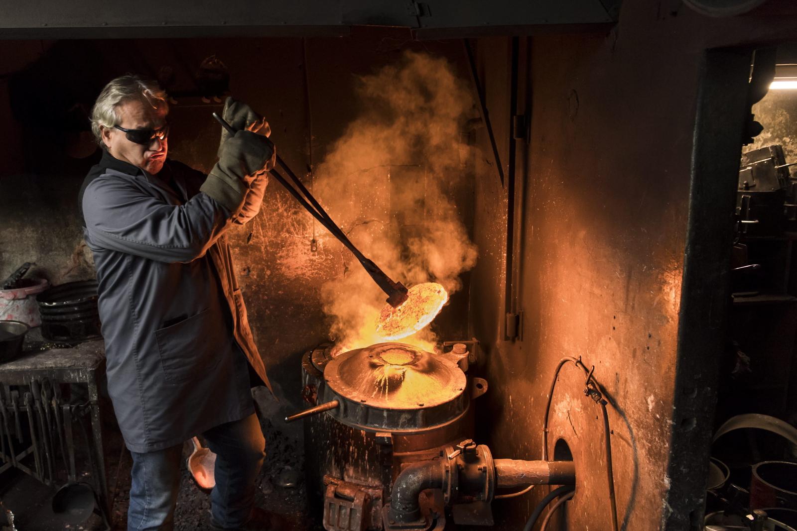 Proces tworzenia dzwonu, Szwajcaria.