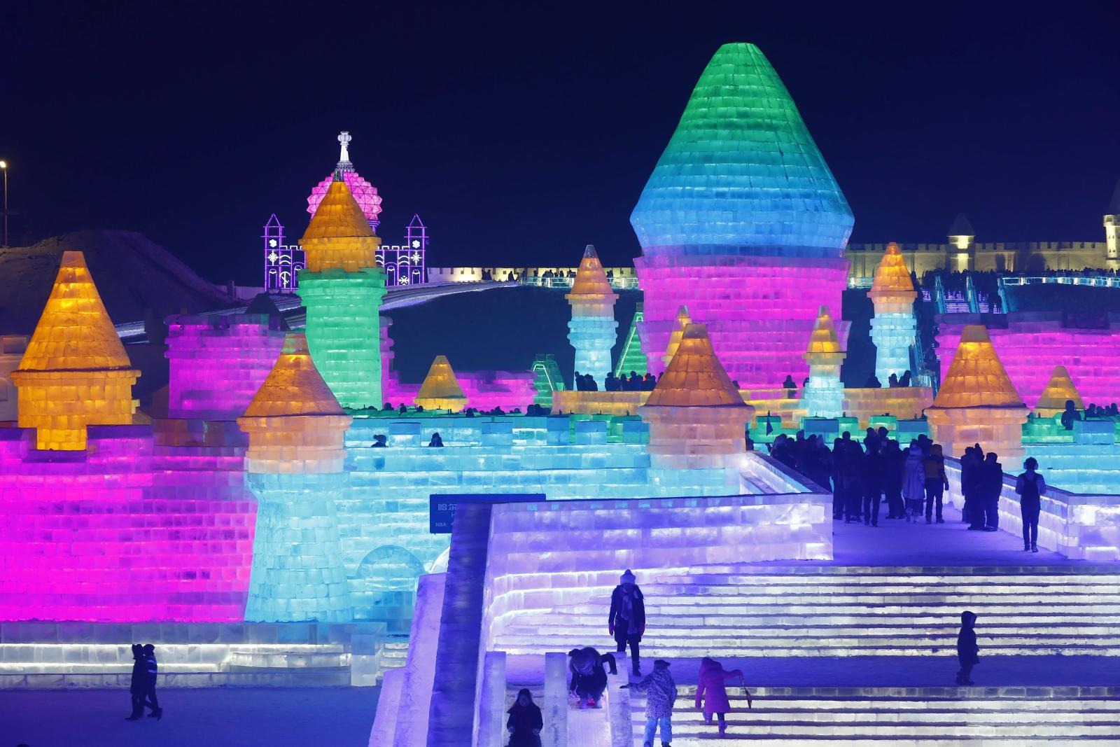33 Międzynarodowy Festiwal Lodu i Śniegu w mieście Harbin w Chinach. Fot. PAP/EPA/WU HONG