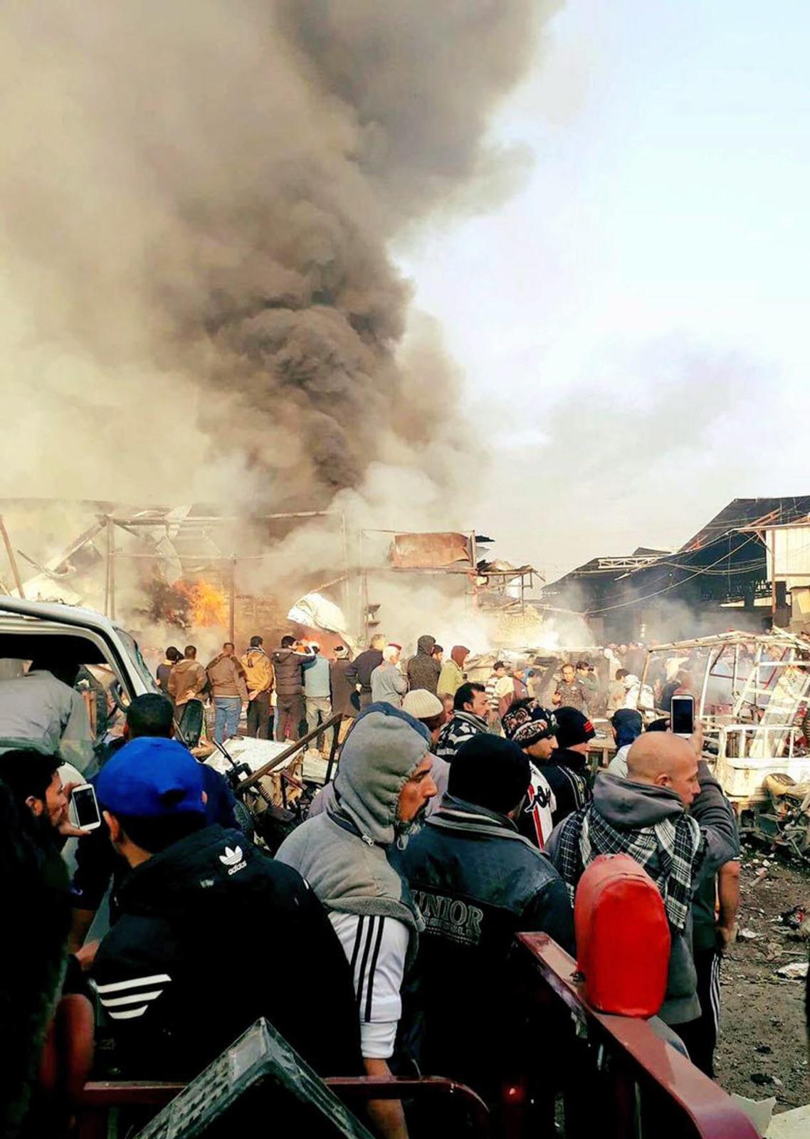 Atak bombowy w Bagdadzie w Iraku. Fot. PAP/EPA/STRINGER BEST QUALITY AVAILABLE