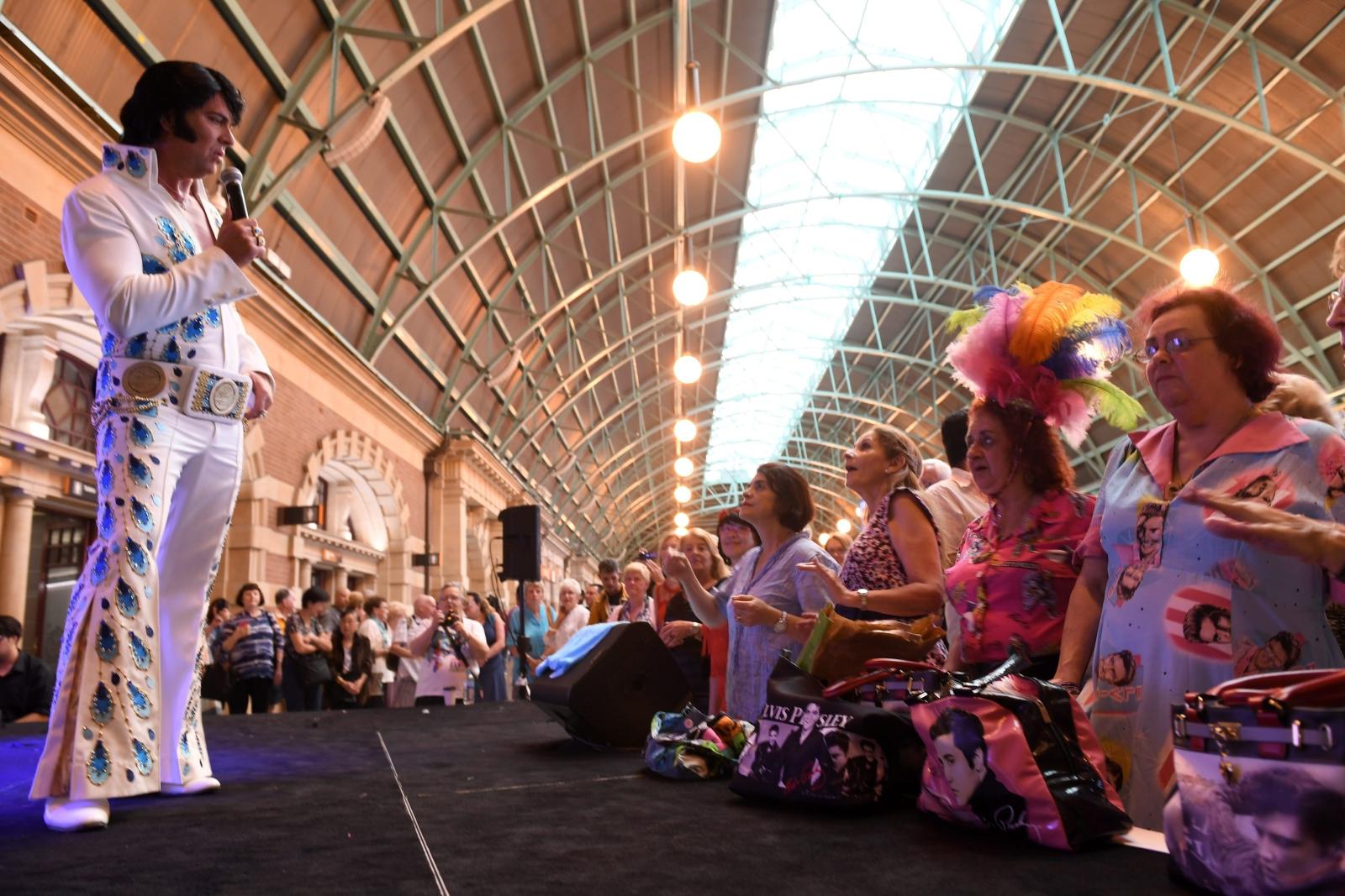 Festiwal Elvisa Presley'a w Australii. Fot. PAP/EPA/DEAN LEWINS  AUSTRALIA AND NEW ZEALAND OUT