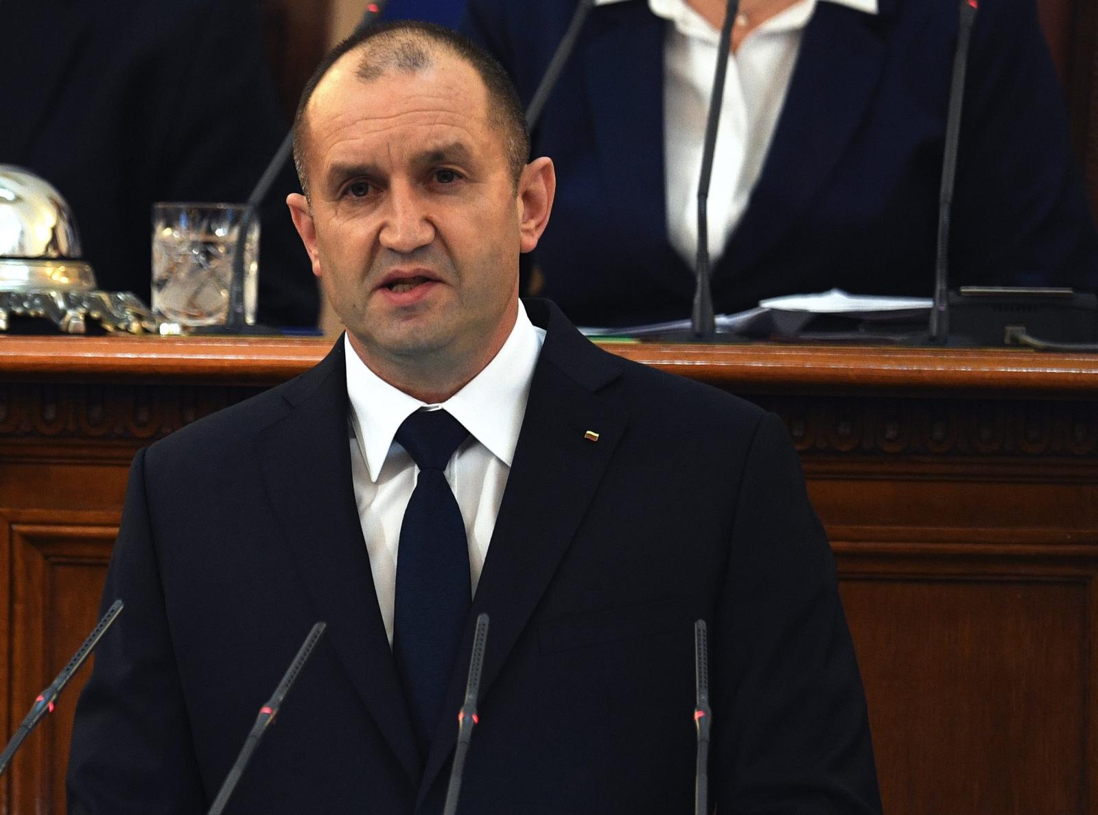 Uroczysta przysięga nowo wybranego prezydenta Bułgarii, Rumena Radeva.  Fot. PAP/EPA/VASSIL DONEV