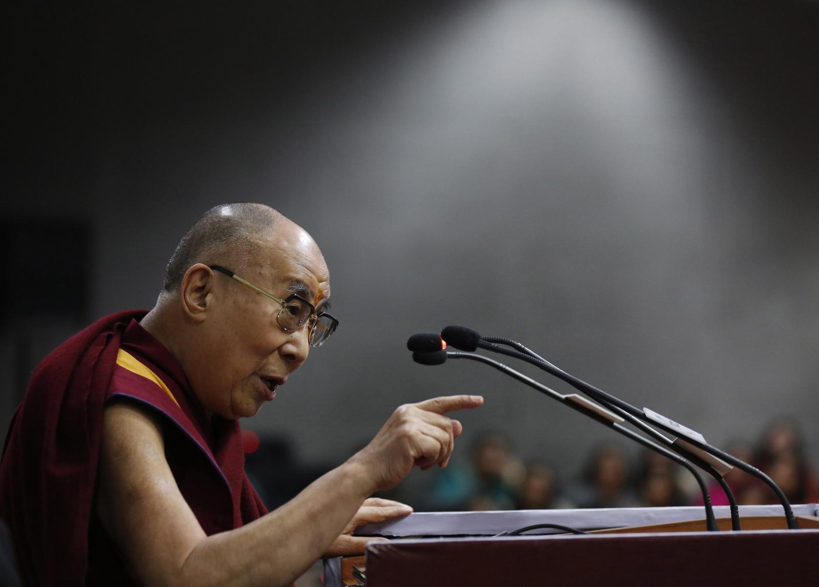 Tybetański lider duchowy, Dalai Lama, przemawiałw New Delhi. Fot. PAP/EPA/RAJAT GUPTA