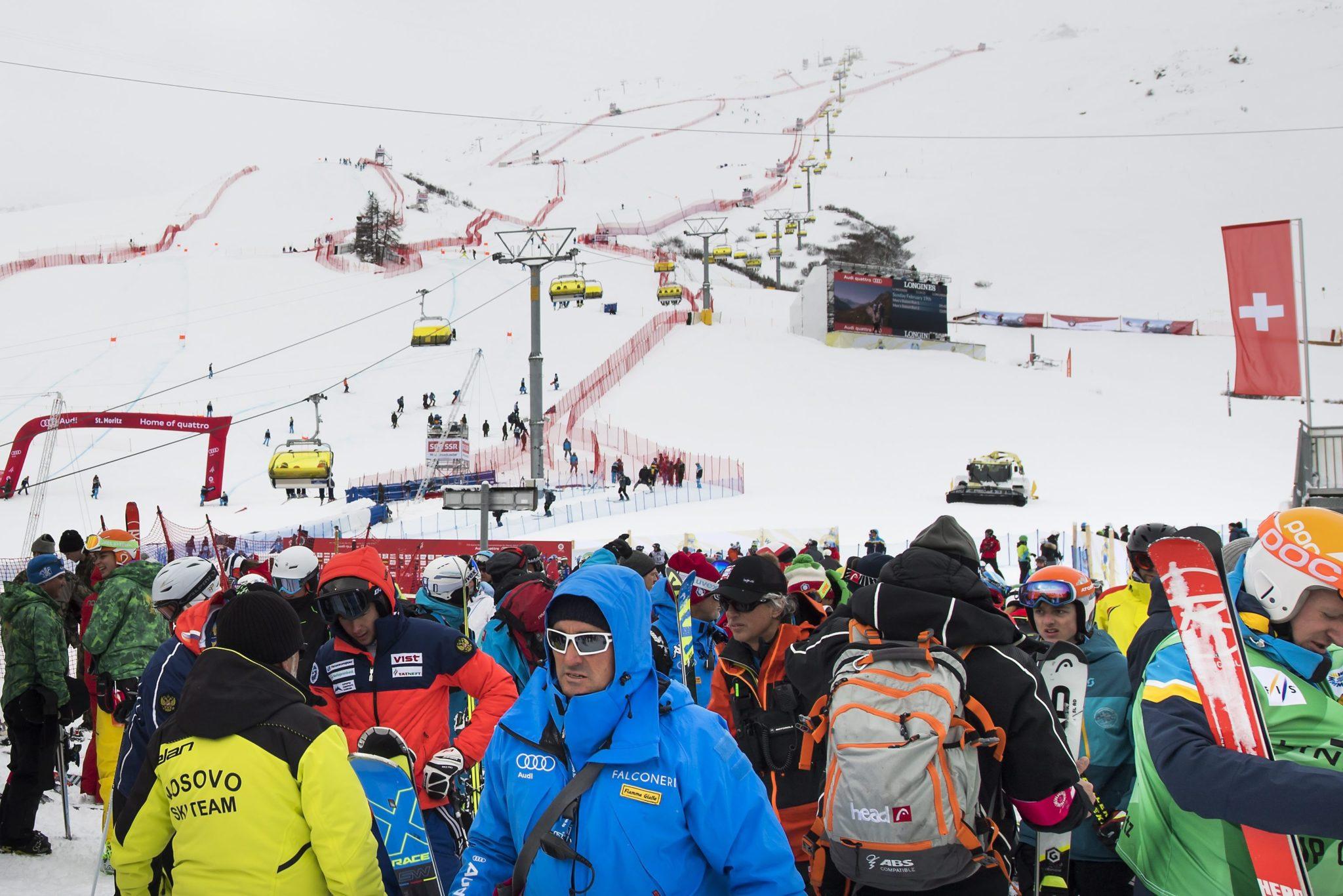 Szwajcaria: zawody pucharu świata w narciarstwie alpejskim w St. Moritz (foto. PAP/EPA/JEAN-CHRISTOPHE BOTT)