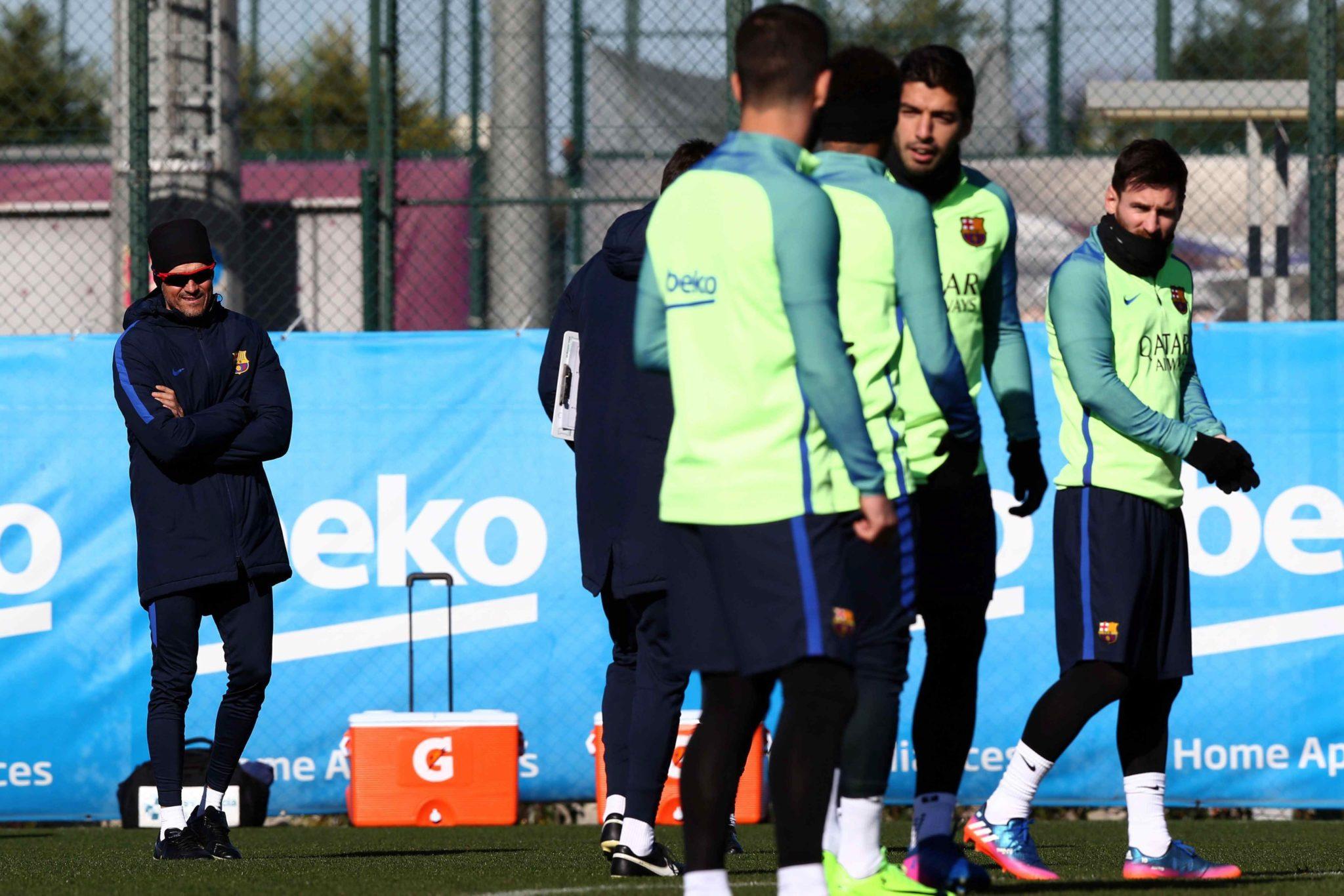 Hiszpania: trening piłkarzy FC Barcelona (foto. PAP/EPA/TONI ALBIR)