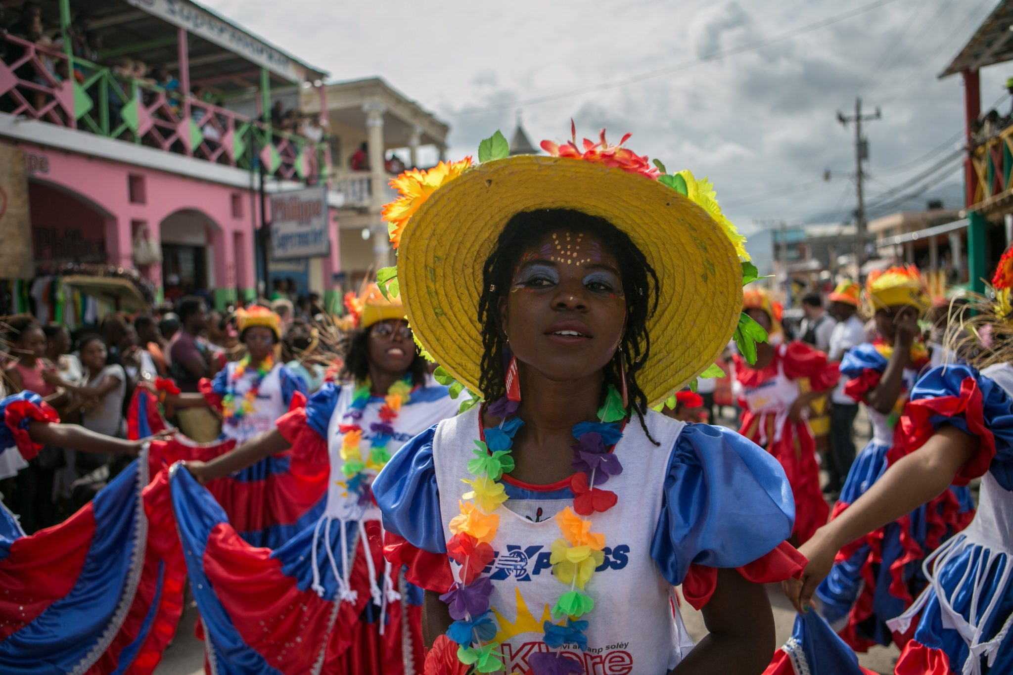 Haiti: obchody Narodowego Karnawału w Jacmal (foto. PAP/EPA/BAHARE KHODABANDE)