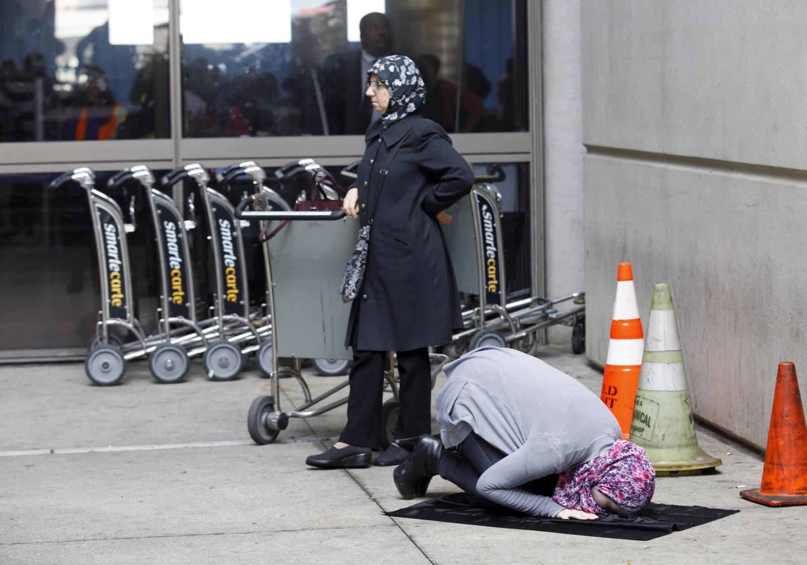 Muzułmanki w czasie protestu przeciwko zablokowaniu przez prezydenta Donalda Trumpa wjazdu do USA muzułmanom z niektórych krajów.