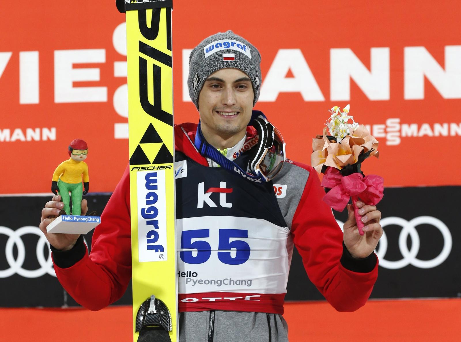 Maciej Kot wygrał w pucharze konkursu indywidualnego w skokach narciarskich w Korei Południowej. Fot. PAP/EPA/JEON HEON-KYUN