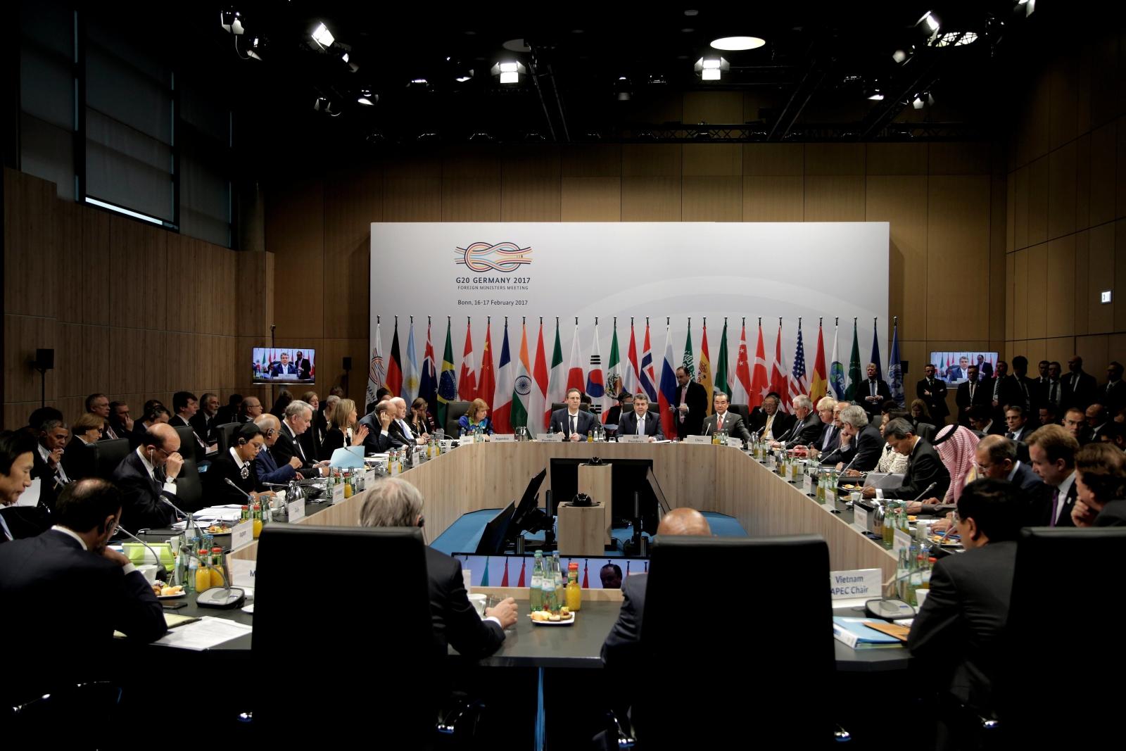 Szczyt G20 w Niemczech - spotkanie ministrów z całęgo świata. Fot. PAP/EPA/FRIEDEMANN VOGEL