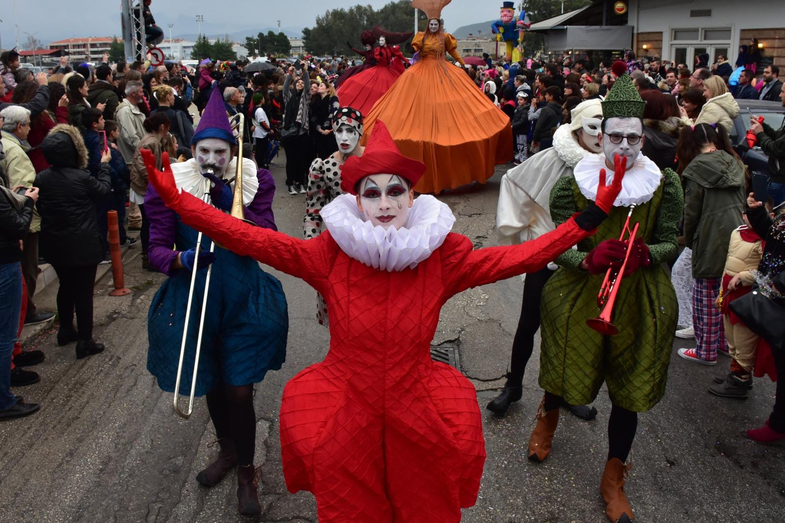 Parada karnawałowa w Nafplio, Grecja.