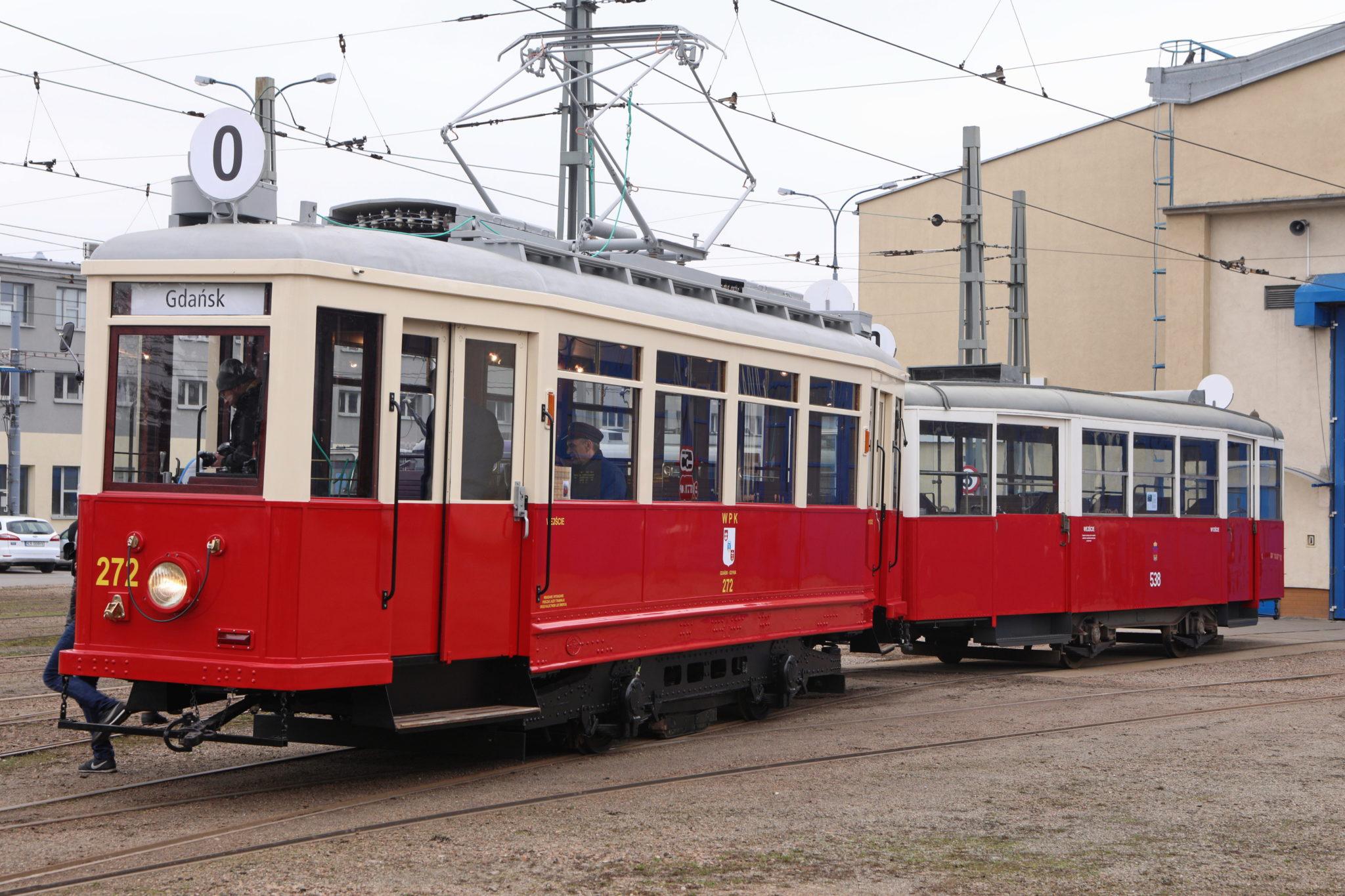 Polska: prezentacja wagonu Ring z lat 30. w Krakowie (foto. PAP/Stanisław Rozpędzik)
