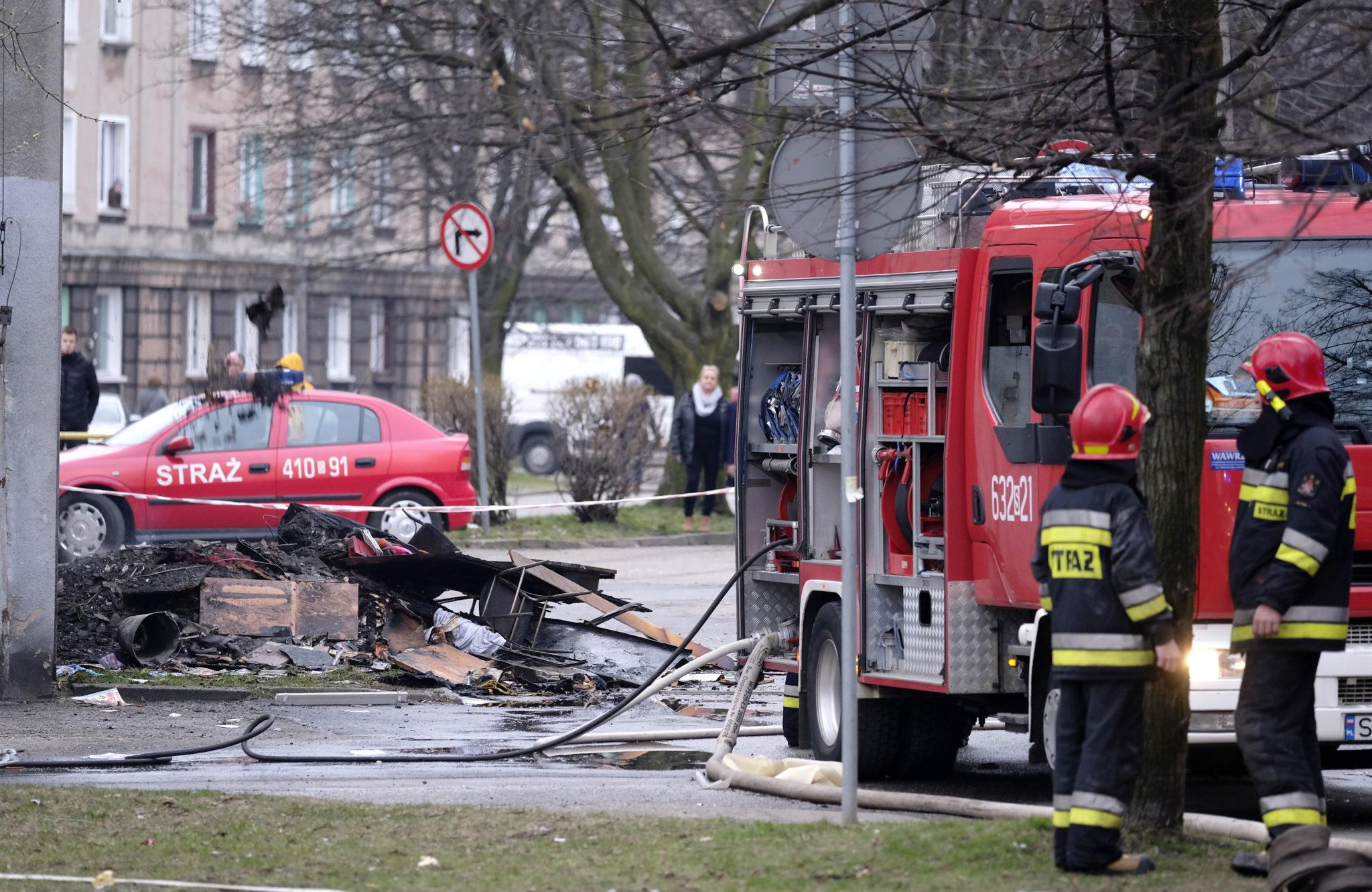 Polska: wybuch gazu w bytomskiej kamienicy na śląsku. W wyniku eksplozji zginęły 2 osoby (foto. PAP/Andrzej Grygiel)