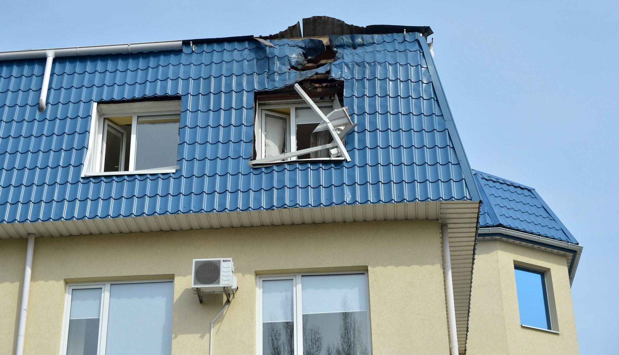 Ukraina: zniszczony budynek konsulatu RP w Łucku (foto. PAP/Darek Delmanowicz)